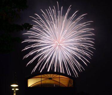 8月25日に湯布院で『ゆふいん盆地花火』があるらしい