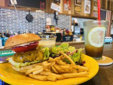 【イルカンジズダイナー】萩原にあるアメリカンを色々楽しめるハンバーガー店
